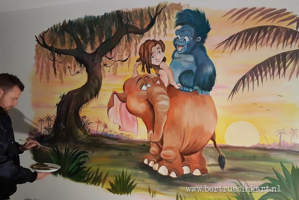Tarzan met vriendjes!