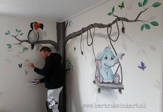 Schommel In Kinderkamer : Muurschilderingen baby kinderkamers u bertruesinkart