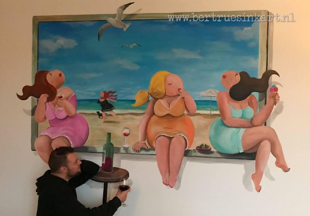 gezellige dames op het strand