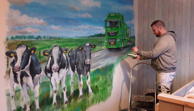 3 koeien en de vrachtauto van het werk van papa