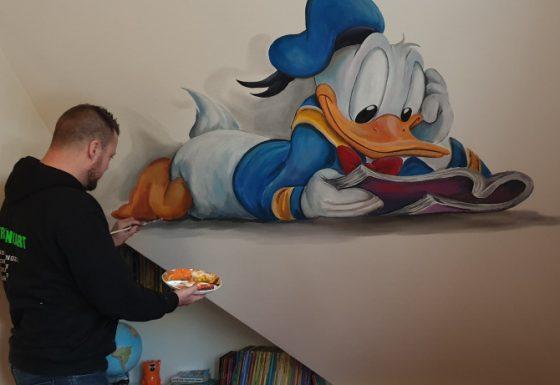 lezende Donald Duck